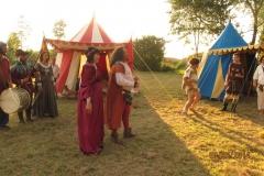 mariage feodal chateau aiguilles (12)