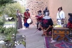 mariage feodal chateau aiguilles (8)