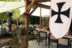 repas mariage feodal chateau aiguilles (13)